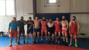 Националите по борба тренират с първите отбори на Грузия и Беларус