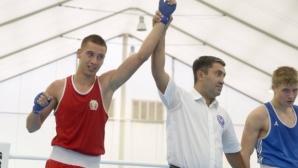 Трима българи си осигуриха медали на турнира по бокс в Литва
