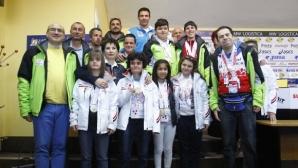 Заместник-министър Андонов посрещна спортистите ни от Спешъл Олимпикс
