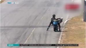 Тежки наказания за двама мотоциклетисти, сбили се на пистата (видео)