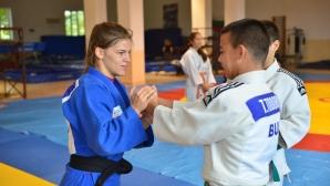 Бетина Темелкова помага на българското джудо от Израел