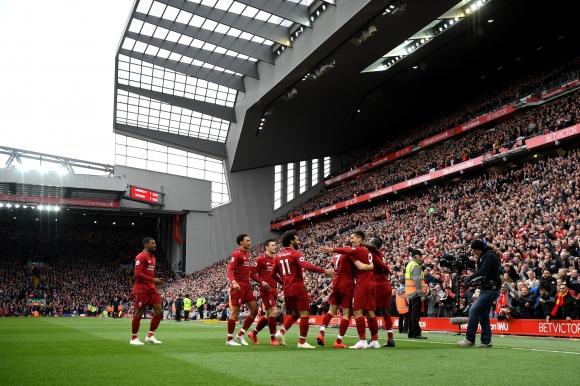 Резултатна победа за Ливърпул, която ще съхрани шампионските им надежди