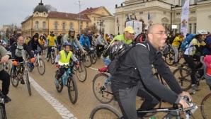 """Група от датското посолство начело с посланик Якобсен се включва във велошествието """"София кара колело за по-чист въздух"""""""