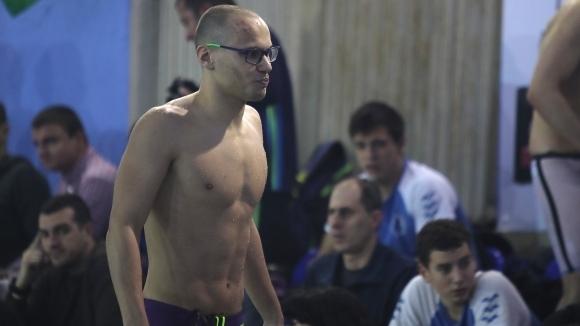 Антъни Иванов покри норматив за участие на Световното на плуване