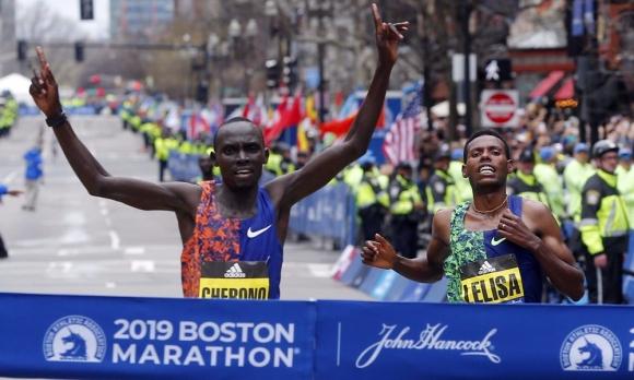 Етиопка и кениец спечелиха Бостънския маратон