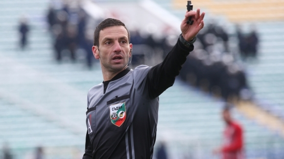 Владимир Вълков ще свири голямото дерби на Втора лига
