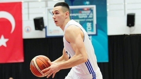 Йордан Минчев игра 14 минути при загуба на Истанбул ББ втурското първенство
