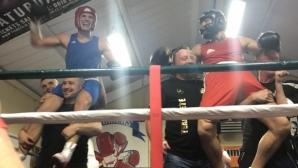 Конър Макгрегър отново проведе боксов двубой (видео)