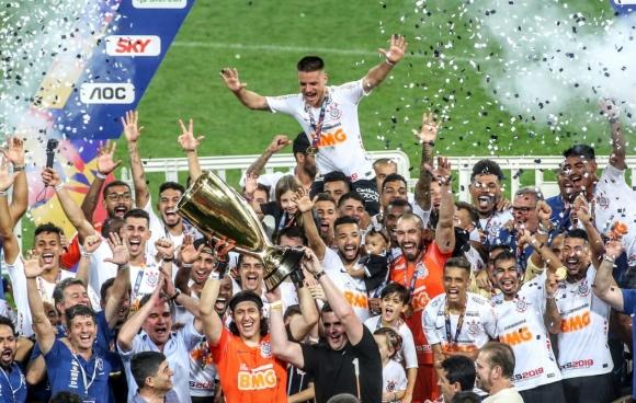 Коринтианс спечели за трета поредна година