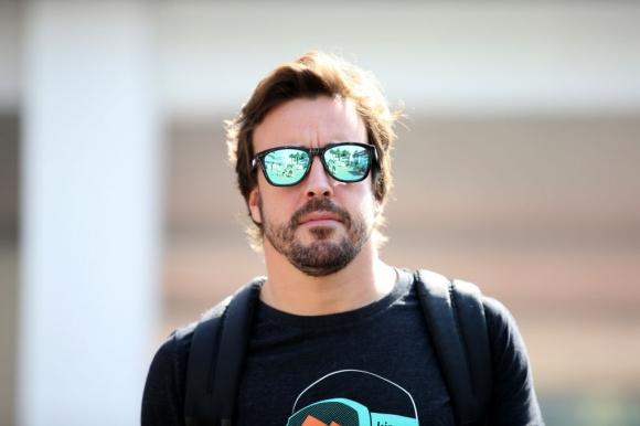 """Алонсо навъртя първи обиколки на """"Индианаполис"""" за 2019 (видео)"""