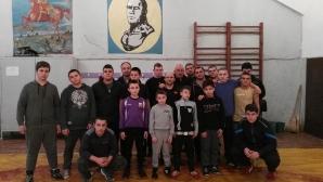 Именитият треньор по борба Лако Лаков се нуждае от спешна операция