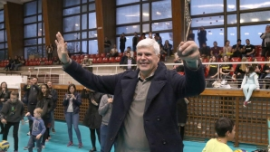 """Легендата Димитър Златанов получи """"Златна мрежа"""" от Volley Mania"""