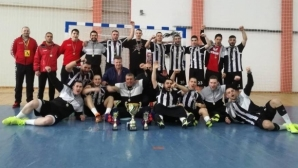 Локомотив Варна стартира с победа финалната серия срещу Добруджа