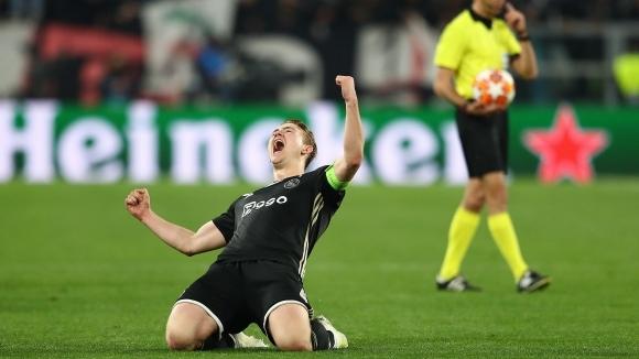В Манчестър Юнайтед се отказали от Де Лихт заради свръхтеглото на баща му
