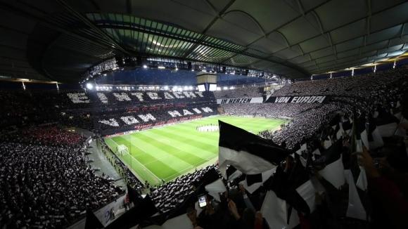 Франкфурт с клубен рекорд по посещаемост