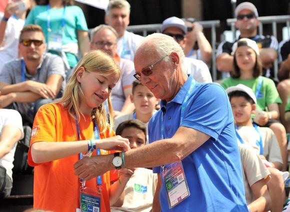 """Глобалният посланик на Газпром """"Футбол за приятелство"""" Франц Бекенбауер ще сподели своя опит с млади участници от целия свят"""