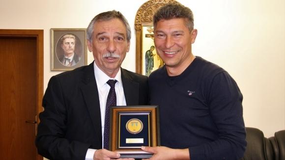 Новият селекционер на България посети Великотърновския университет