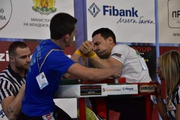 Два бронза за България в първия ден на Европейското по канадска борба