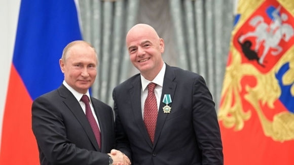 Путин награди шефа на ФИФА с орден