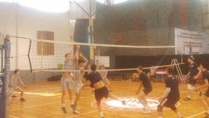 Два отбора на Виктория Волей играха контроли с Левски