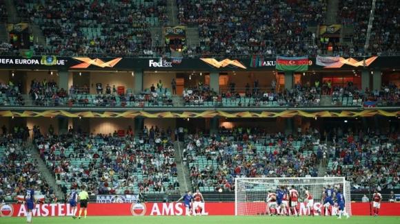 Колко празни места имаше по време на финала между Челси и Арсенал?