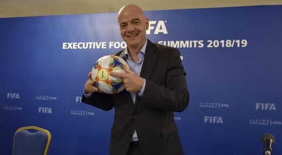 Германия подкрепя единствения кандидат за шеф на ФИФА