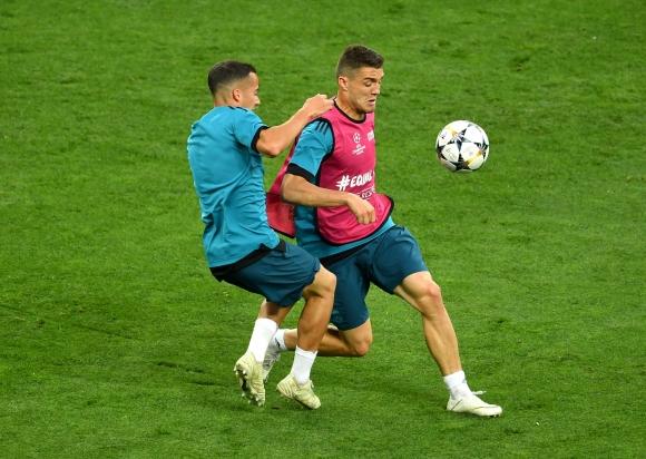 Директори на Интер са в Мадрид за преговори с Реал
