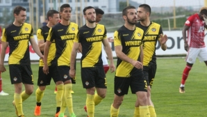 Човекът на Адвокаат и Гулит официално пое Ботев (Пловдив)