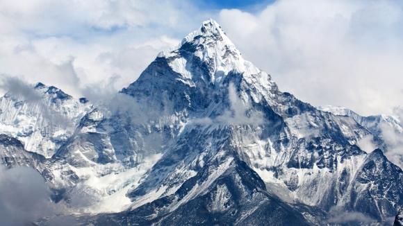 659 души са покорили Еверест този сезон