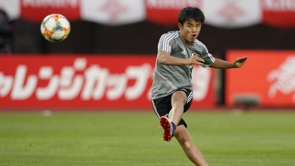 Реал Мадрид изпревари Барса за подписа на Японския Меси