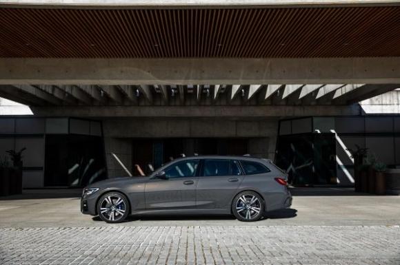 Серия 3 на BMW вече и с нова Туринг версия