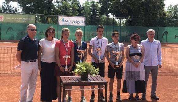 Дженев и Ганева са шампиони на държавното лично първенство по тенис до 14 г.