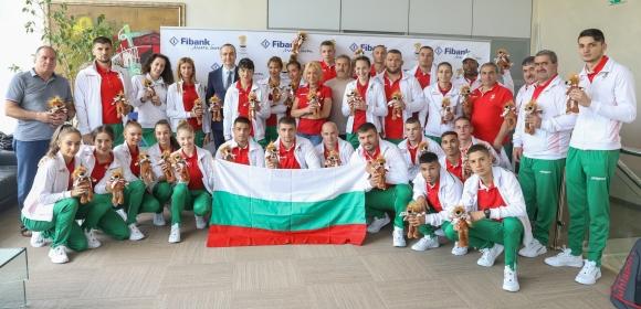 Изпратиха спортистите ни за Минск с лъвчета и трибагреник