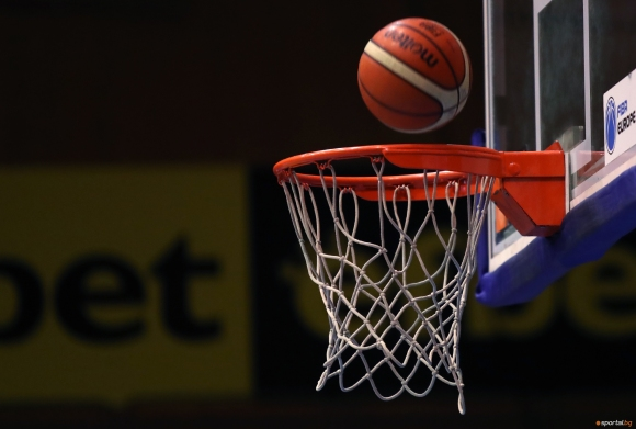 Отбори от десет училища от цяла България участват във финалите на ученическите игри по баскет