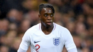 Селекционерът на младежите на Англия: Главата на Уан-Бисака е пълна с мисли за Ман Юнайтед