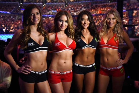 Голям скандал се задава за шоуто на UFC в Абу Даби заради момичетата с табелки