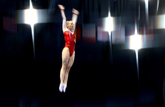 Сестри Пеневи завършиха седми във финала на синхронните скокове на батут в Минск