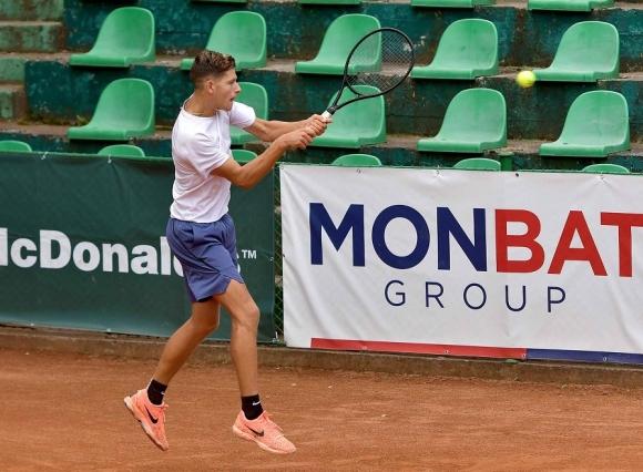 Симон-Антони Иванов е четвъртфиналист в Португалия