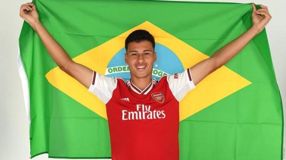 Арсенал все пак успя да вземе някой - 18-годишен бразилец е първото попълнение на лондончани