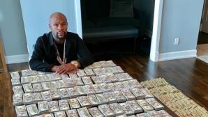 Флойд Мейуедър сложи почти $2 милиона на масата (видео + снимки)
