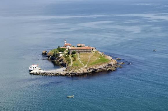 Плувен маратон ще се проведе от острова