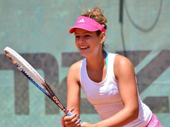 Стаматова и Данаилова преодоляха квалификациите на турнири от ITF