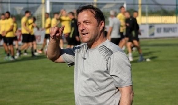 Петрович: Какво да прави Димитров в Румъния? Ако си тръгне, напускам и аз!