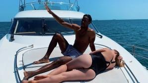 Свитолина и Монфис с горещи снимки на яхта