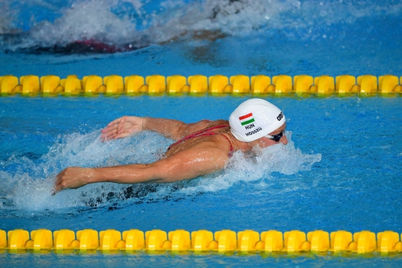 Катинка Хошу с четвърта поредна световна титла на 200 м. съчетано, рекорд за...