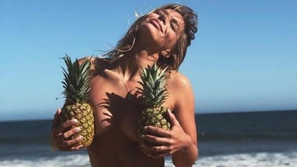 Ефимова отново провокира феновете си със секси снимка