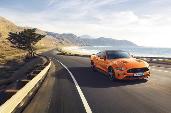 Ford представя специално юбилейно издание Mustang55