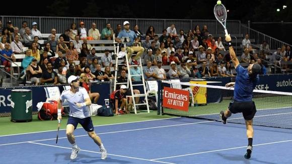 Това не се вижда всеки ден в професионалния тенис (видео)