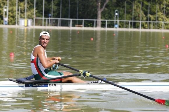 Емил Нейков на финал на скиф на Световното за юноши