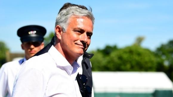 """Моуриньо: Четири тима имат шанс за титлата в Англия, единият е """"Б""""-отборът на Ман Сити"""